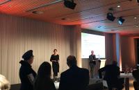 Ulrike Berendson eröffnet die Konferenz und stellt der ersten Redner vor: Dr. Felix Krämer | Museum Kunstpalast