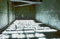 Joseph Kosuth. Die Signatur des Wortes (Licht und Finsternis). 2001  © Zentrum für Internationale Lichtkunst Unna. Foto Matthias Duschner
