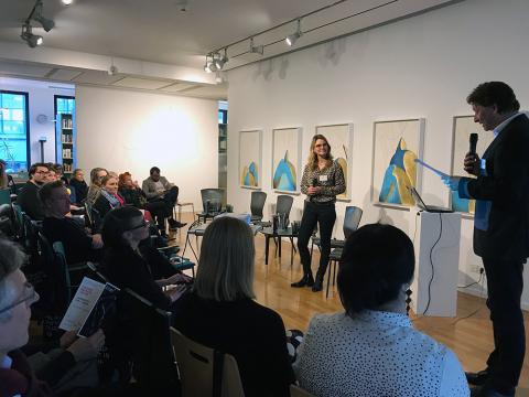 Kristian Jarmuschek | BVDG-Vorsitzender und Dr. Laura Hirvi | Leiterin des Finnland-Instituts begrüßen die Gäste des Symposiums