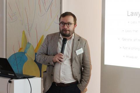 Jaakko Lindgren | Rechtsanwalt und Kunstsammler von Dottir Attorneys in Helsinki erklärt rechtlich-steuerliche Fakten zum Kunstmarkt Finnland