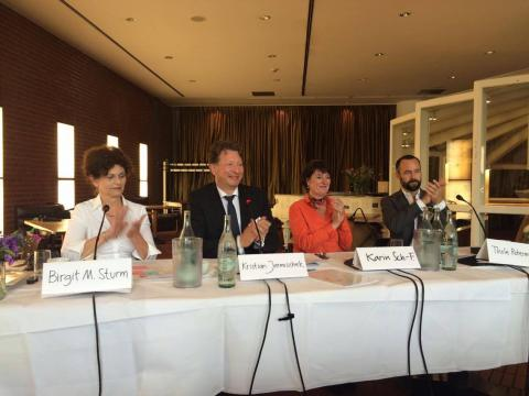 BVDG MV2016 04.07.2016 Köln Cafe Ludwig. Der neue Vorstand ist gewählt. vlnr: Birgit Maria Sturm, Kristian Jarmuschek, Karin Schulze-Frieling, Thole Rotermund