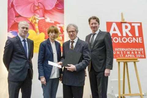 AC-Preis 2016 Raimund Thomas. (V.l.n.r.: Daniel Hug, OB Henriette Reker, Raimund Thomas, Kristian Jarmuschek) © koelnmesse