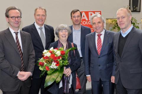 AC-Preis 2012 Anny De Decker Bernd Lohaus und WideWhiteCube. © Koelnmesse. V.l.n.r.: Klaus Gerrit Friese (BVDG), Gerald Böse (Koelnmesse GmbH), Anny De Decker, Dirk Dirk Snauwaert (Laudator), Jürgen Roters (Oberbürgermeister der Stadt Köln), Daniel Hug (Direktor der Art Cologne).