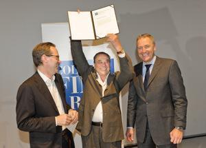 Cologne Fine Art Preis 2011. Klaus Gerrit Friese, Preisträger Günter Uecker, Gerald Böse (vlnr). Foto koelnmesse