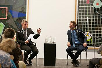 © GALERIE FRIESE Stuttgart. Über Kunst. Nikolai B. Forstbauer im Gespräch mit Johan Holten. Foto Frank Kleinbach