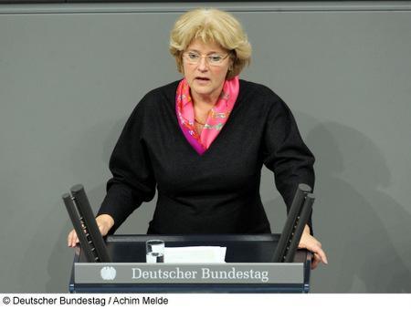 Kulturstaatsministerin Monika Gruetters ©Deutscher Bundestag Foto Achim Melde