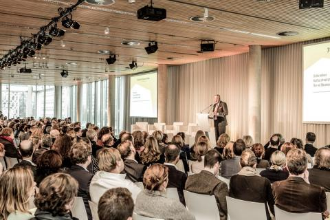 Kunstmarktkonferenz 29.11.2012. Rede von Bernd Neumann. Courtesy FAF